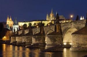Charles-bridge-night
